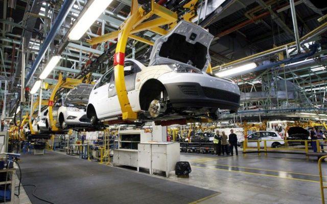Sector automotriz brasileño disminuye producción por crisis de ventas - Internet