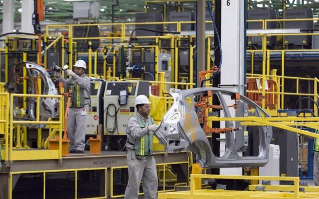 Crece 2.1 por ciento anual producción industrial en julio - Internet