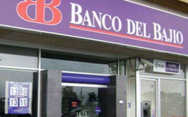 Asaltan sucursal bancaria de Tlalnepantla - Foto de Internet