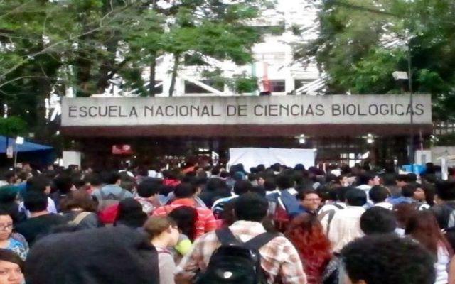 Entra en paro Escuela de Ciencias Biológicas del IPN - Foto de Reforma