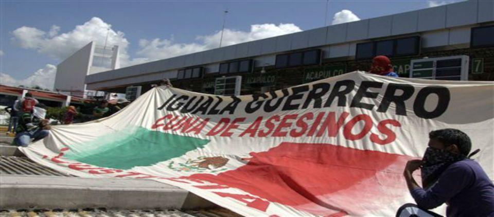 Balacera sembró pánico antes de muertes en Iguala - Foto de AP
