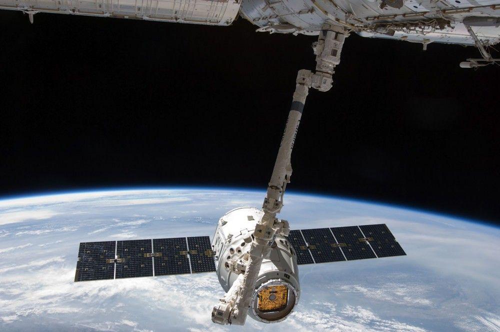 Nave Dragón acuatiza en costas mexicanas - Foto de NASA