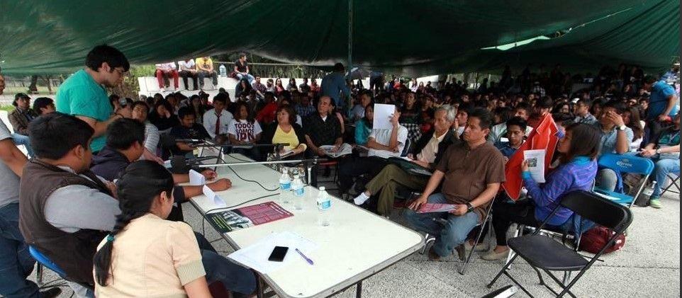 Caso Iguala fue un atentado contra la educación: normalistas de Ayotzinapa - Foto de Reforma