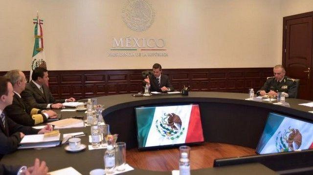 Trabajaremos sin descanso para encontrar a los normalistas: Enrique Peña Nieto - Foto de @PresidenciaMX