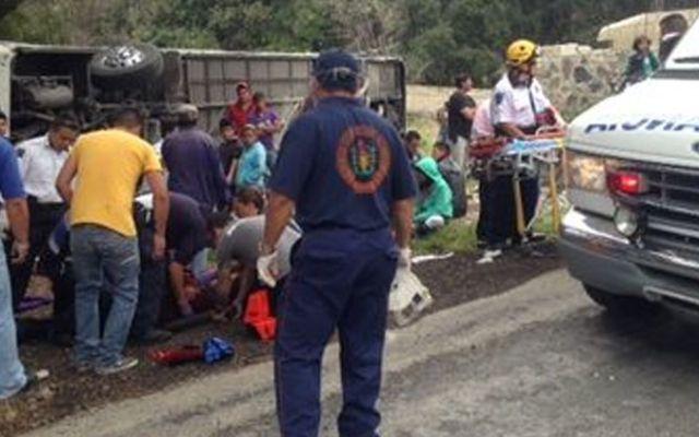 Accidente en Morelos deja 4 muertos y 38 heridos - Foto de Milenio