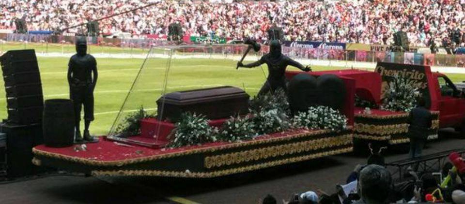 Despiden a Chespirito en el Estadio Azteca - Foto de @scarlett_garza