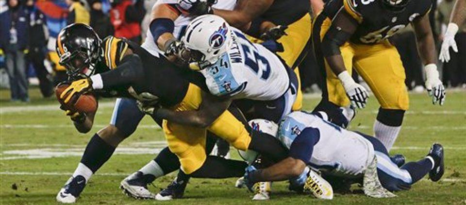 Steelers se complica pero derrota a Titans - Foto de AP