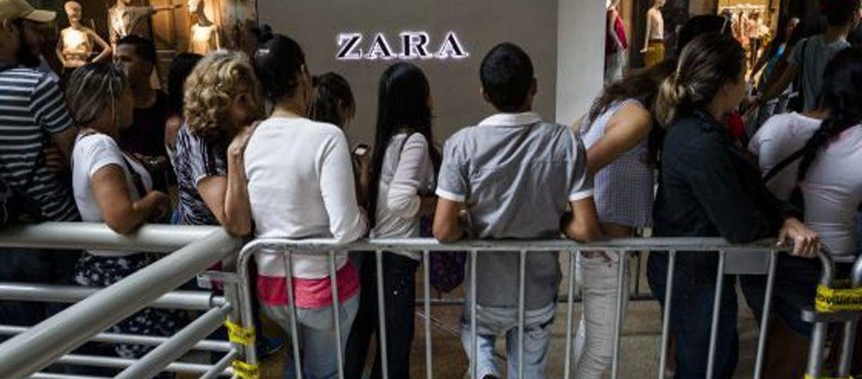Zara solo venderá cinco prendas al mes por cliente en Venezuela - Foto de El País