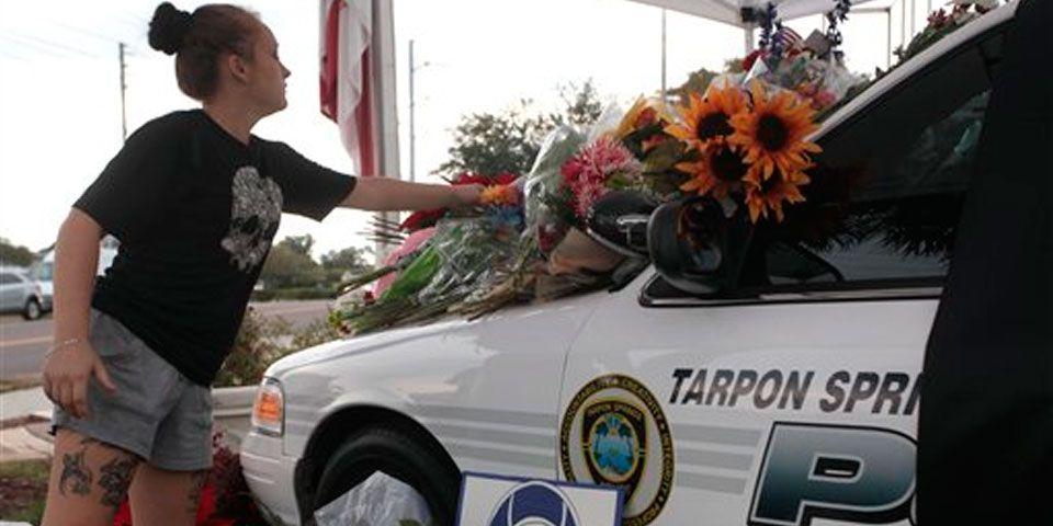 Policía es matado a tiros en Florida - Foto de AP