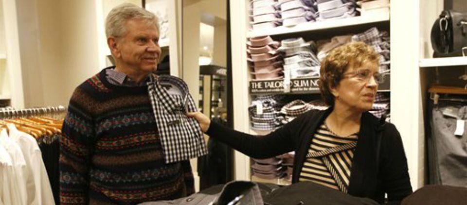 Bajan compras en Viernes Negro de este año - Foto de AP