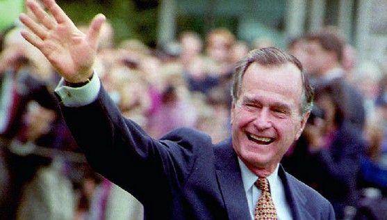 Hospitalizan al expresidente George H. W. Bush - Foto de Internet