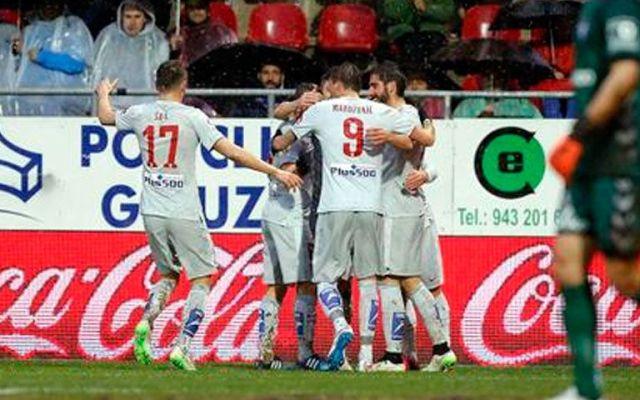 Atlético golea bajo la lluvia - Atlético de Madrid derrotó al Eibar
