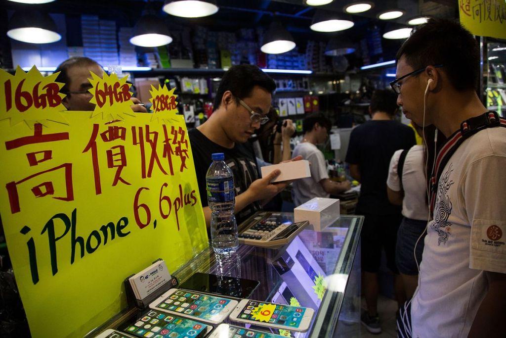 Atrapan a contrabandista de smartphones - iphone contrabando