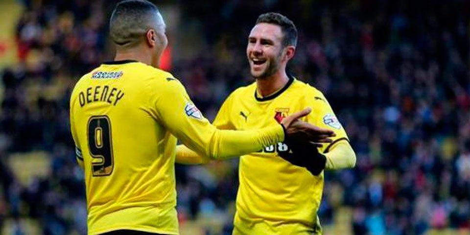 Watford y Layún golean 7-2 - Miguel Layún festeja un gol del Watford