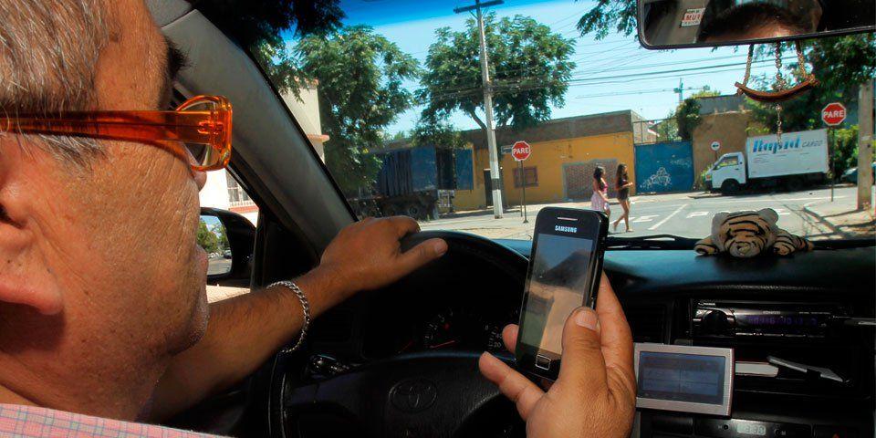 Multas por conducir con el celular