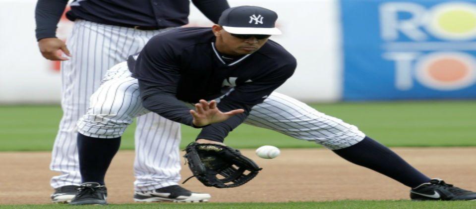 Alex Rodríguez practica en la primera base - a rod primera base_las mayores