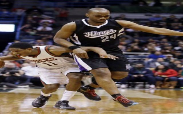 Bucks vencen a Sacramento gracias a Brandon Knight - brandon knight_ap