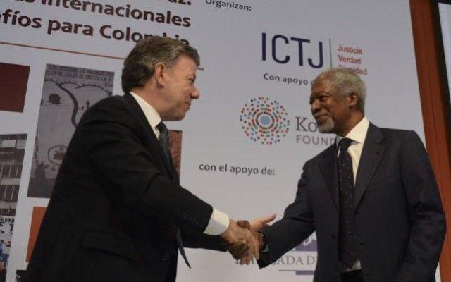 Kofi Annan llama al diálogo a Uribe y Santos por Colombia - Juan Manuel Santos con Kofi Annan