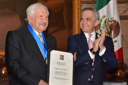 Ignacio López Tarso es nombrado Ciudadano Distinguido - tarso mancera