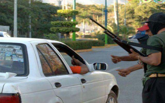 Obligan a policías de tránsito a devolver mordidas - Policías de Tecoanapa