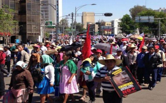 Antorchistas marchan a SEGOB - Foto de @TatianaValdes
