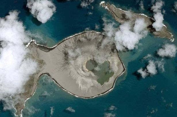 Nueva isla se forma en el Océano Pacífico - isla