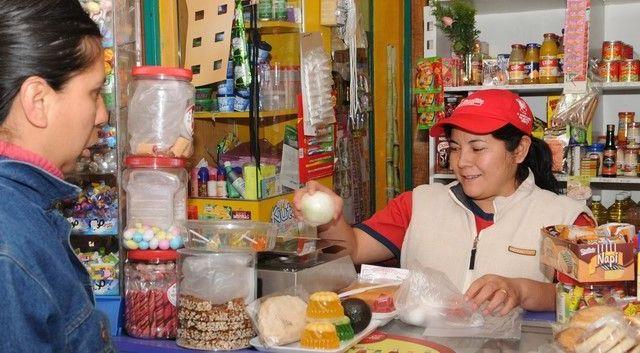 Café Político: ¿Pymes podrían solventar aumento del salario mínimo? - Tienda de abarrotes