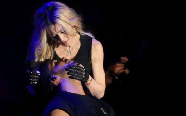 Los memes del beso de Madonna y Drake - Los memes del beso de Madonna y Drake