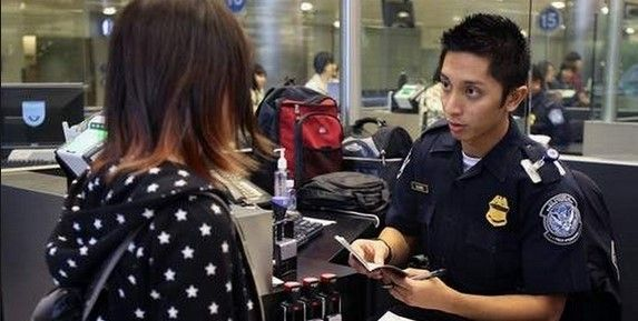 Aprueban en comisiones que agentes extranjeros porten armas - Migración en aeropuertos