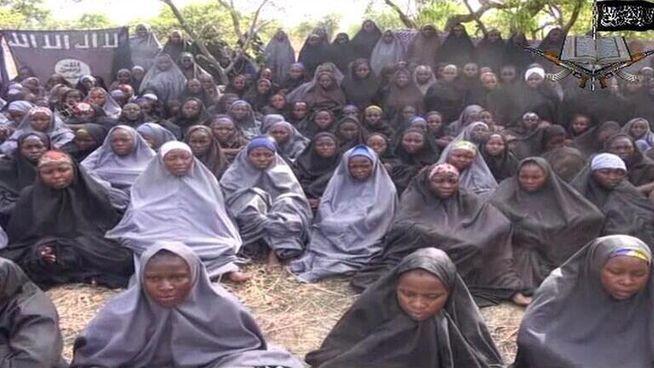 Rescatan a 293 mujeres secuestradas por Boko Haram - Niñas rescatadas en Nigeria