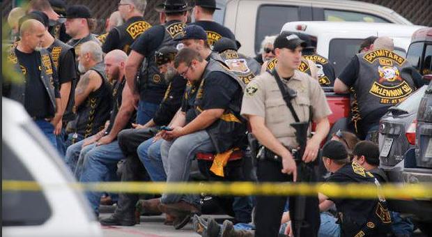 Dos hispanos muertos por enfrentamiento de pandillas en Texas - Foto de CBS