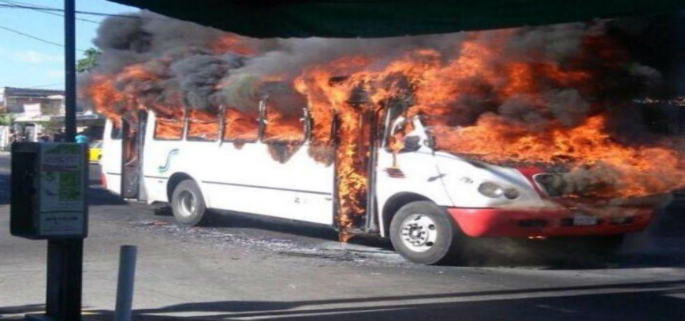 Arde Jalisco - Narco bloqueos en Jalisco