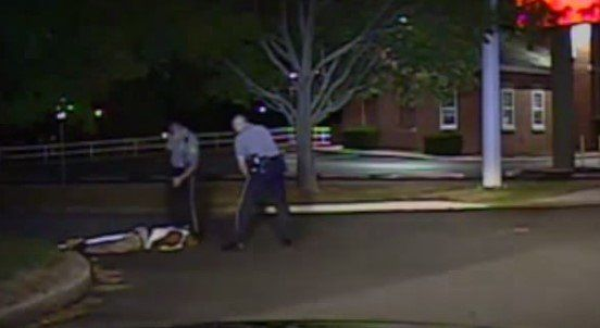Video de un nuevo caso de brutalidad policiaca en EE.UU. - Brutalidad policiaca
