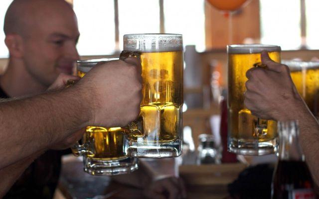 Los trabajadores que consumen más alcohol y drogas - Las profesiones donde se consume más alcohol y drogas