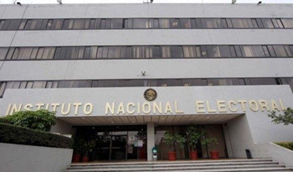 Evacuan edificio del INE por olor a gas - INE edificio
