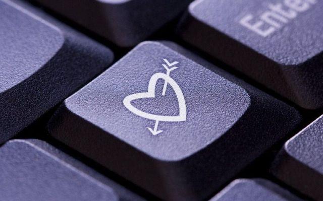 Hackean sitio de citas para adultos