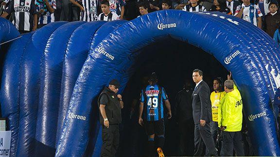 Pachuca gana con todo y berrinche de Ronaldinho - Foto de ESPN