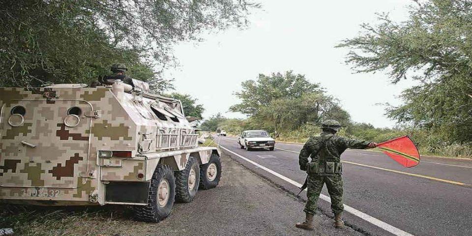 Inicia el cerco del Ejército en Jalisco - Instalan retenes en Jalisco