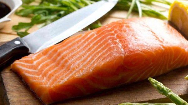 FDA aprueba consumo de salmón transgénico - Foto de archivo