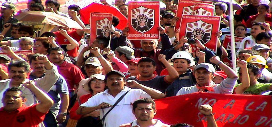 Electricistas marchan a Los Pinos - SME