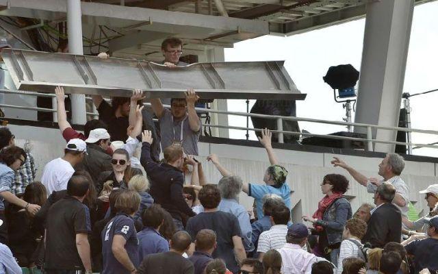Accidente en Roland Garros deja tres lesionados - Foto de Yahoo.