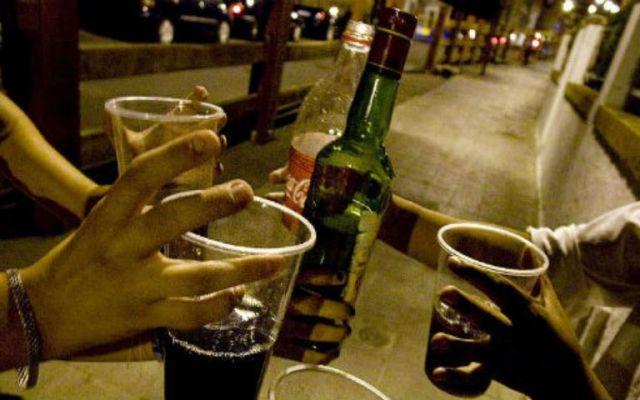 Licor contaminado mata a 33 personas en India - Foto de Contenido.