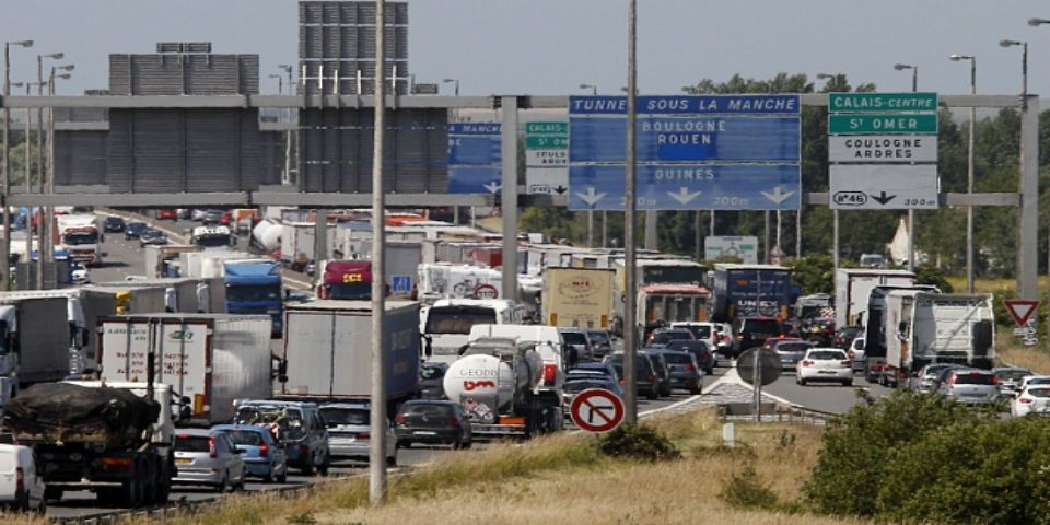 Huelga bloquea el tráfico en el Eurotunel - Foto de The Telegraph.