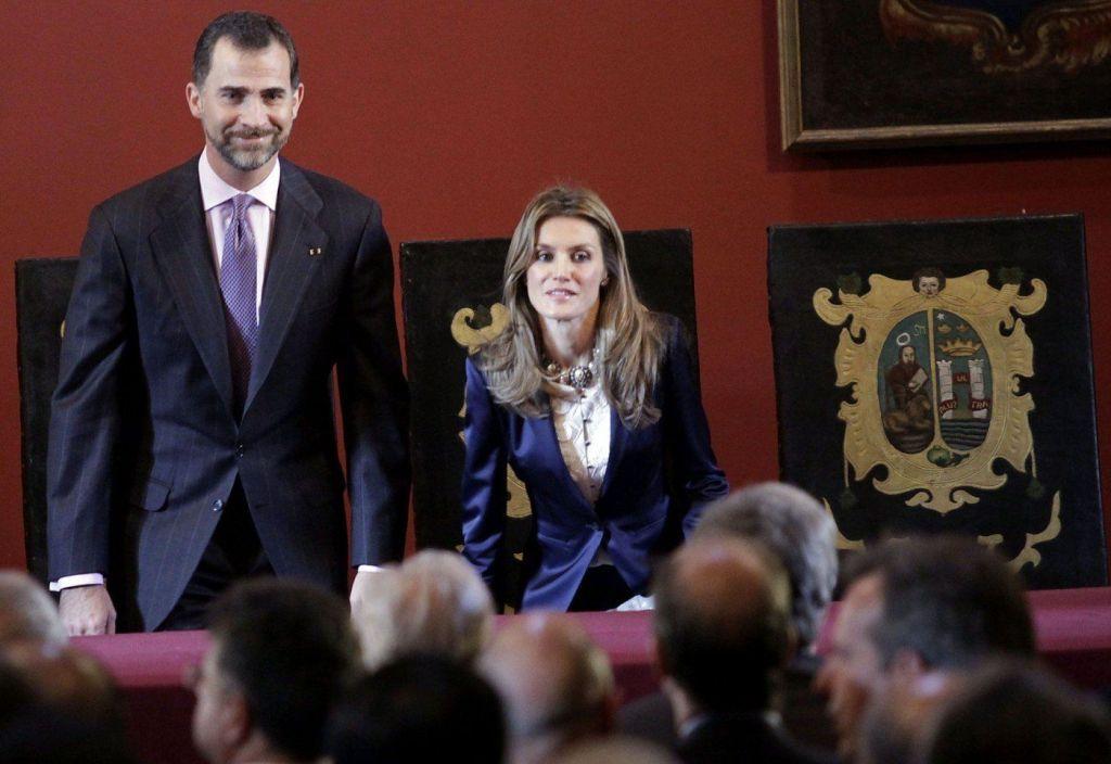 SRE alista visita de los Reyes de España