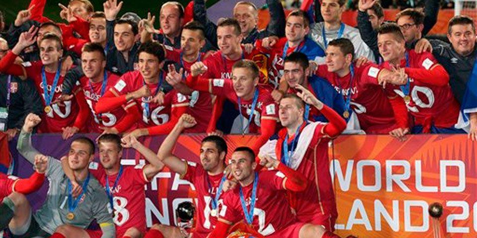 Serbia gana el Mundial sub 20 - Foto de AP