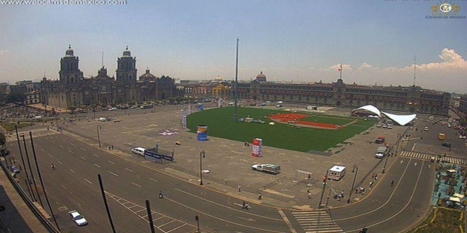 El Zócalo toma forma como campo de béisbol - Foto de webcamsdemexico.
