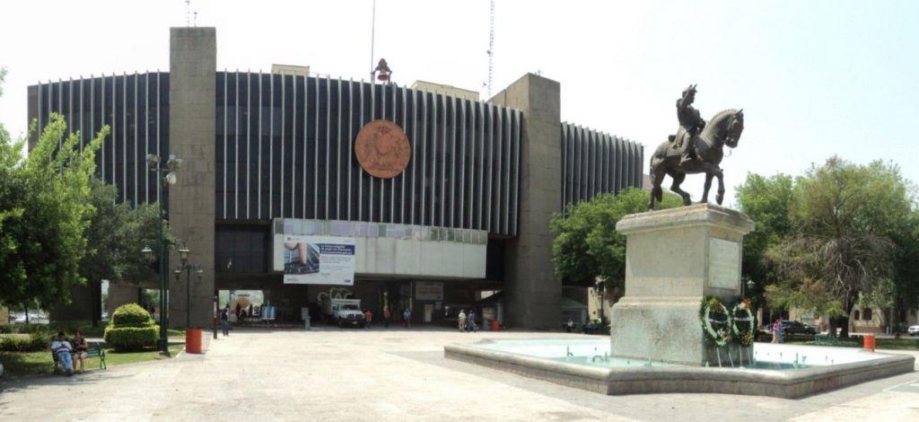 Cortan internet a Ayuntamiento de Monterrey por falta de pago - Cortan servicio de telefonía e internet en el Ayuntamiento de Monterrey. Foto de Albertoj / Wikimedia