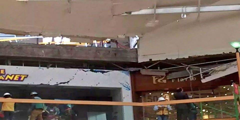 Se desploma techo en Perisur - Foto de @Iberomed