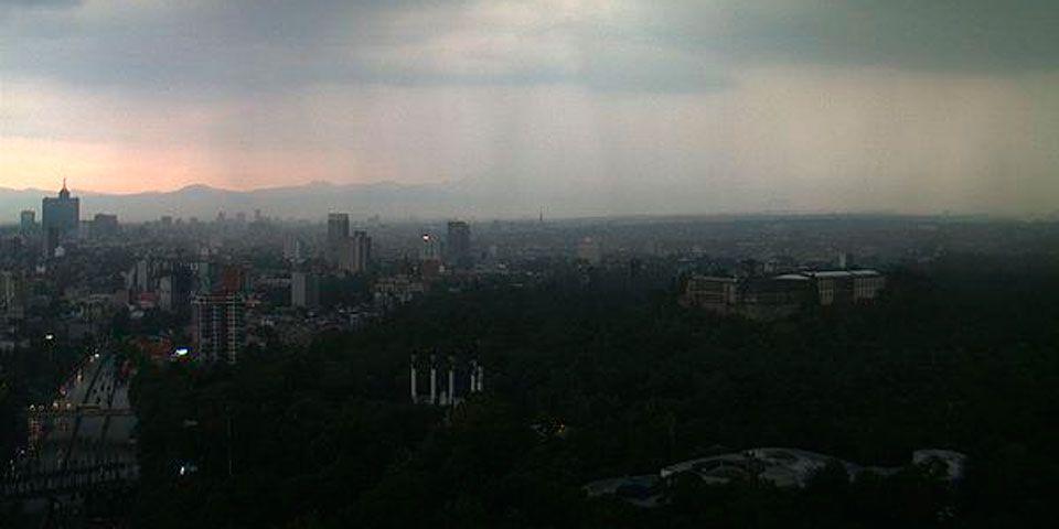 Tormenta azota al Valle de México - Foto de @webcamsdemexico