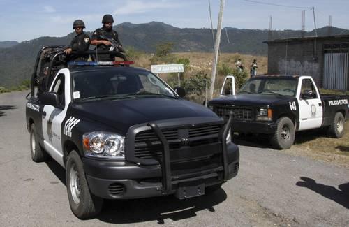 Rescatan a 33 guatemaltecos en Oaxaca - Foto de archivo